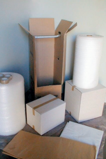 A wide range of packing materials is available.
